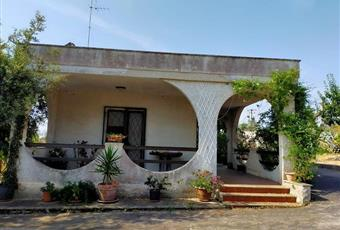 Terreno Con Villa in Vendita a Brindisi