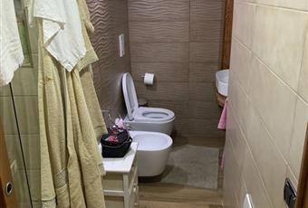 Il bagno è con  Campania NA Somma vesuviana