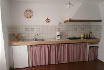 Cucina in muratura, completa di stoviglie Toscana GR Roccastrada