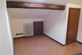 Il pavimento è piastrellato Lombardia LC Cassago Brianza