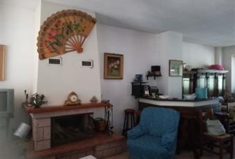 Casa indipendente con terreno (4 c.letto e 3 wc)