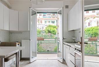 Cucina abitabile completamente arredata con pavimento di alta qualità  Liguria IM Sanremo