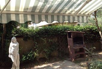 Il pavimento è piastrellato Toscana PO Carmignano