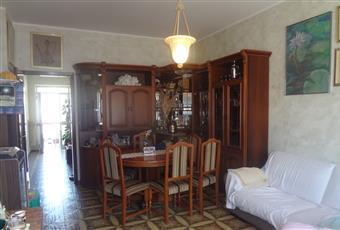 Ampia e luminosa sala da pranzo e salone con caminetto più comodo balcone. Abruzzo PE Montesilvano