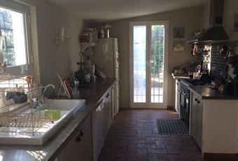 Il pavimento è piastrellato, la cucina è luminosa Lazio RM Palombara Sabina