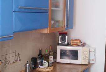 La cucina è con soffitto alto, il pavimento è piastrellato. Lombardia SO Sondrio