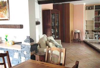 Il pavimento è piastrellato, il salone è luminoso Piemonte AL Borghetto di Borbera