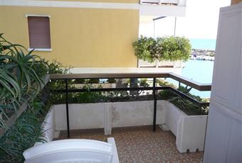 Piccolo terrazzo con vista mare e chiesa Liguria IM San Lorenzo al mare