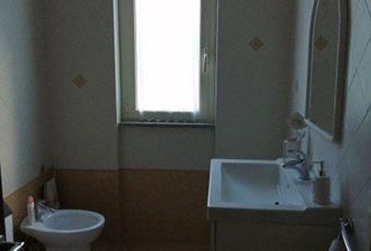 Il pavimento è piastrellato, il bagno è luminoso Lazio FR Sgurgola