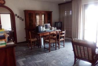 Il pavimento è piastrellato, il salone è luminoso Sardegna OG Perdasdefogu