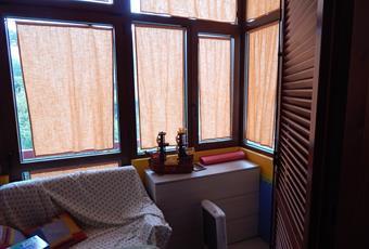 Una seconda verandina a cui si accede dallo studio. , il salone è con soffitto alto, il salone è luminoso Campania AV Aiello del sabato