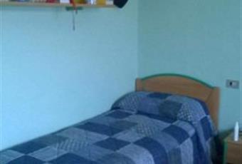 La camera è luminosa, il pavimento è di parquet Umbria PG Perugia