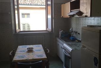 Il pavimento è piastrellato, la cucina è luminosa Lombardia CR Cremona