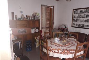Il salone è con travi a vista Piemonte AT Incisa Scapaccino