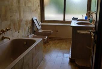 Il bagno è con, il bagno è luminoso Lazio RM Roma