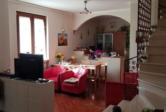 Il pavimento è di parquet, il salone è luminoso, la camera è luminosa Lazio FR Frosinone