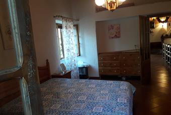 ampio locale luminoso, il pavimento è piastrellato, la camera è luminosa Lazio RM Riofreddo