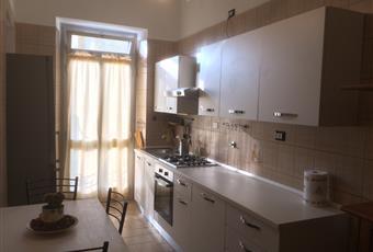 La cucina è luminosa, il pavimento è piastrellato Piemonte TO Torino