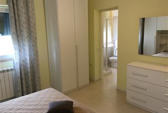 Il pavimento è piastrellato, la camera è luminosa, il pavimento è di parquet Marche MC Appignano