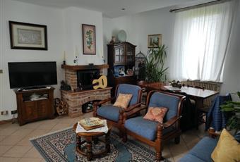Salone molto ampio e luminoso situato al piano terra Piemonte AL Casal Cermelli