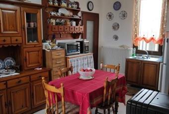 Cucina situata al piano terra, con accesso a un piccolo bagno Piemonte AL Casal Cermelli