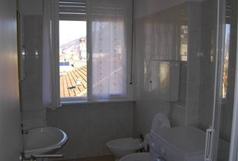 Il bagno è luminoso e c'è la lavatrice Trentino-Alto Adige TN Trento