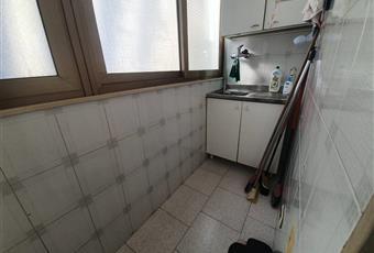 La stanza è luminosa con esposizione interna , l'ambiente è predisposto per impianto di climatizzazione e da qui è possibile accedere al balcone verandato Puglia BA Bari