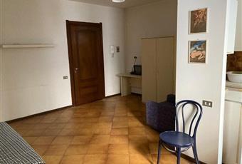 Il pavimento è piastrellato, il salone è luminoso Piemonte AL Casale Monferrato
