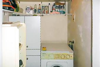 Localino lavanderia con lavatrice Lombardia MI Milano