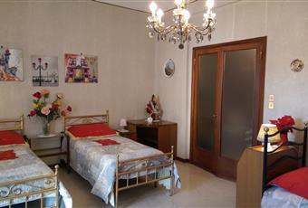 Il pavimento è di marmo, due camere da letto, 6 poste letto, 5 letti. Emilia-Romagna BO Bologna