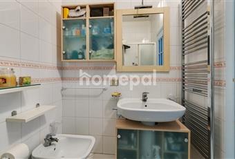 Bagno piastrellato con doccia Campania NA Piano di Sorrento
