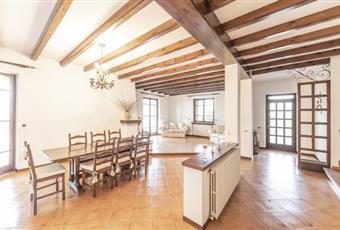 La cucina è luminosa, la cucina è con travi a vista Lombardia MN Castiglione delle Stiviere