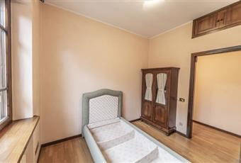 Il pavimento è di parquet, la camera è luminosa Lombardia MN Castiglione delle Stiviere