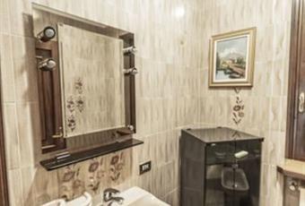 Il bagno è con  Lombardia MN Castiglione delle Stiviere