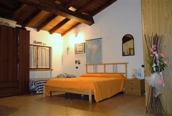 Il pavimento è piastrellato Toscana MS Podenzana