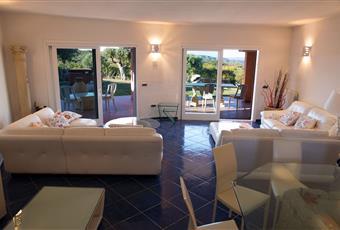 Il pavimento è piastrellato, il salone è luminoso Sardegna OT Palau