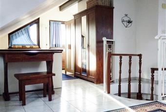 Il salone è luminoso, il pavimento è piastrellato Piemonte TO Alpignano