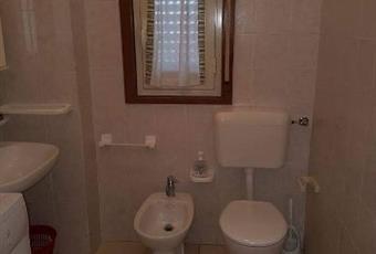 Il pavimento è piastrellato, il bagno è luminoso Sicilia AG Licata