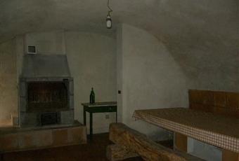 Il salone è con camino, il salone è con soffitto a volta Piemonte CN Paesana
