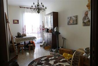La camera è luminosa, il pavimento è piastrellato, la cucina è luminosa Piemonte AL Alessandria