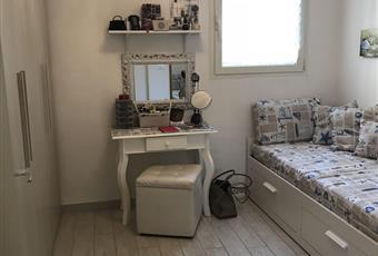 Il pavimento è di grès porcellanato,la camera è luminosa Abruzzo PE Pescara