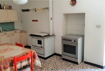 Cucina arredata ed abitabile Piemonte AT Rocca D'arazzo