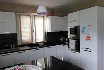 Il pavimento è di parquet, la cucina è luminosa Piemonte VB Villette