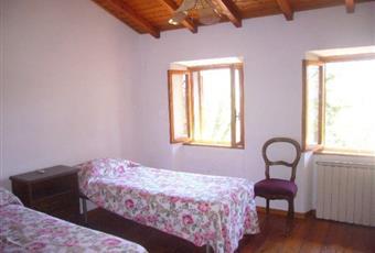Il pavimento è di parquet, la camera è luminosa Toscana LU Stazzema