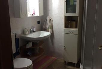 Il pavimento è piastrellato, il bagno è luminoso Emilia-Romagna BO Medicina