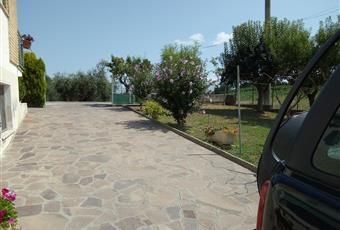 Il giardino è con erba Marche AN Castelleone di Suasa