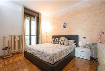 Il pavimento è di parquet, la camera è luminosa Piemonte NO Bellinzago novarese