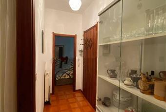 Il pavimento è di parquet, il salone è luminoso Liguria GE Santa Margherita Ligure