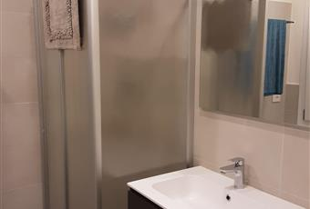 Bagno completo con doccia e finestra. Emilia-Romagna MO Carpi