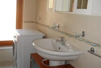 Il pavimento è piastrellato, il bagno è luminoso Abruzzo PE Citta' Sant'Angelo